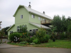 The Glass House Winery Bed & Breakfast